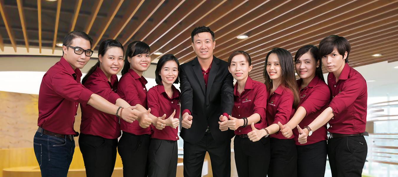 Đội ngũ hổ trợ Quảng Cáo Siêu Tốc