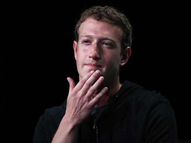 Mô Hình Kinh Doanh Và Canh Bạc Lớn Của Facebook