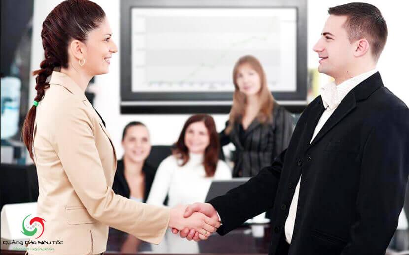 xây dựng kịch bản nói chuyện với khách hàng mới nhất