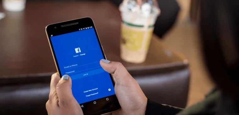 Có Người Đang Theo Dõi Bạn Trên Facebook?