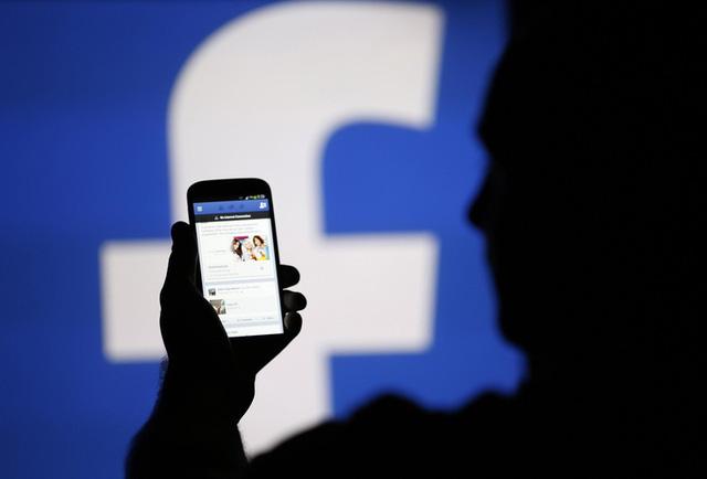 Liệu Có Phải Bạn Đang Sử Dụng Facebook Miễn Phí Không?