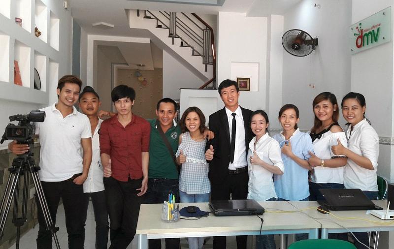 Đội ngũ nhân viên của Quảng Cáo Siêu Tốc