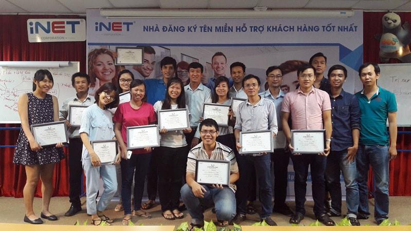 Anh Võ Tuấn Hải đào tạo marketing cho đội ngũ nhân viên iNet